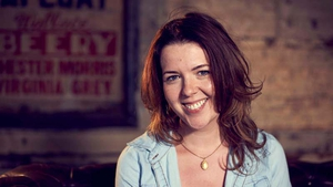 Derry native Lisa McGee has written a new sitcom set in the city during the run-up to the 1994 ceasefire