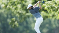 McIlroy seven shots off the lead at the Barclays