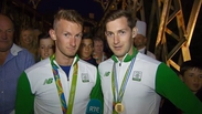 Thousands welcome home Olympic heroes Paul and Gary O'Donovan
