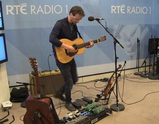 LIVE Music with Colm Mac Con Iomaire