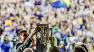 Seamus Callanan takes a selfie with the Liam MacCarthy in front of the crowd at Tipperary's homecoming in Thurles
