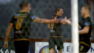 Dundalk's David McMillan (c) celebrates his goal