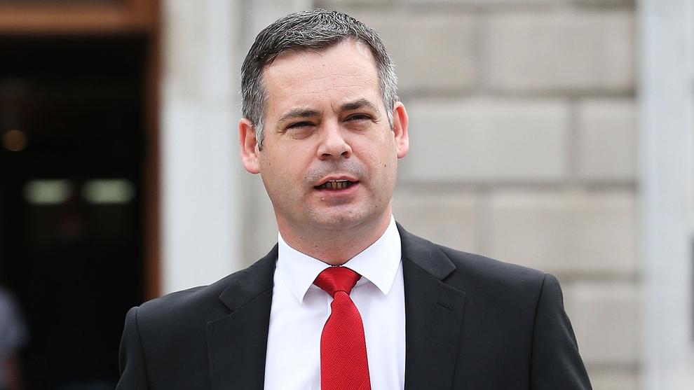 Nuacht an Tuaiscirt:Pearse Doherty TD ag casadh le Pobal Thoraí