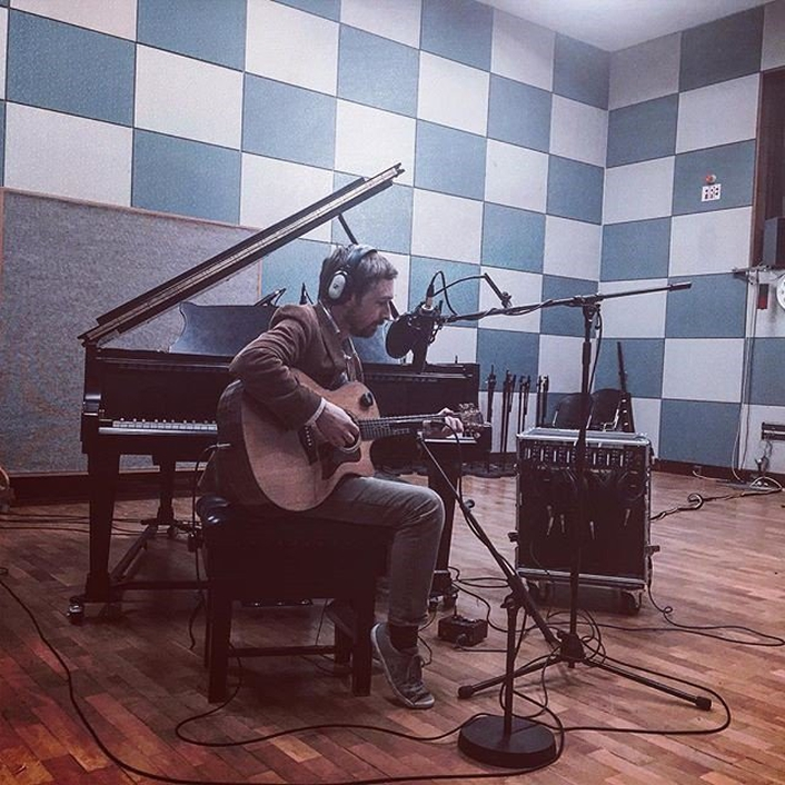 Neil Hannon in session