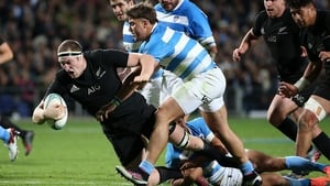 Brodie Retallick goes over for a try