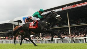 Harzand wins the 2016 Irish Derby at HQ