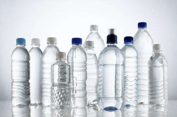 Risk of bacteria on water bottles