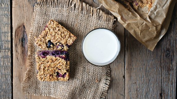 Aoife's 130 calorie baked berry squares
