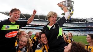 Ann Downey raises the O'Duffy Cup