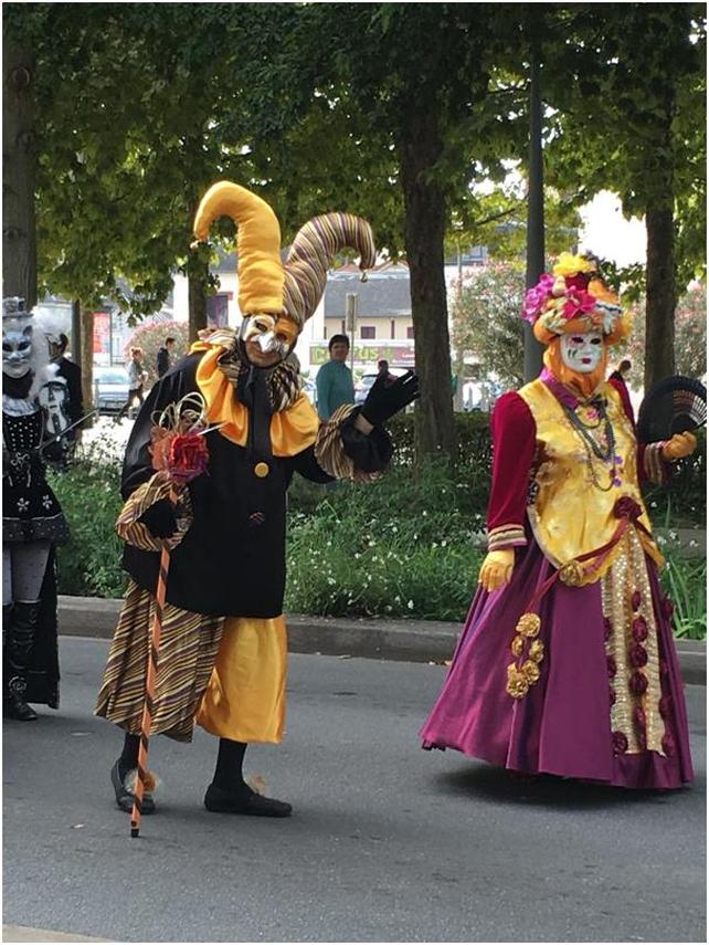 Venetian parade in Montargis