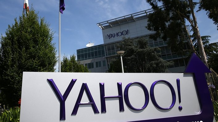 Yahoo says data from 500m accounts stolen in 2014
