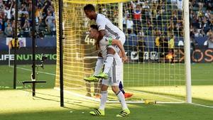 Robbie Keane scored in each half
