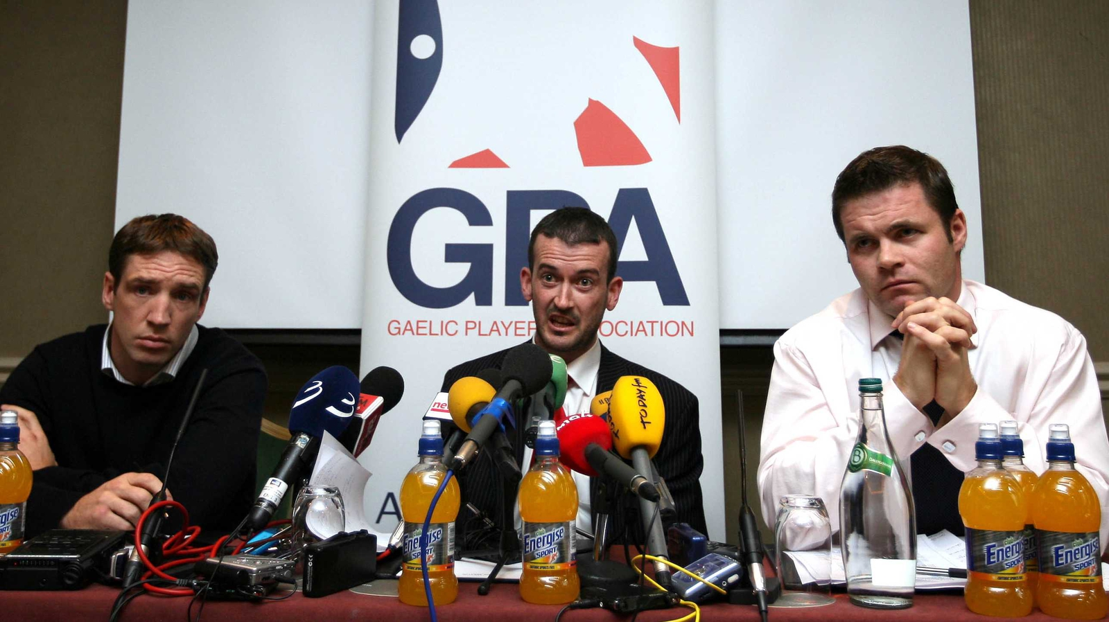 Image - Cusack (centre) with Kieran McGeeney (l) and Dessie Farrell (r) at a GPA media conference in 2007