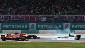 Nico Rosberg spins in front of Daniel Ricciardo, Sebastian Vettel and Max Verstappen