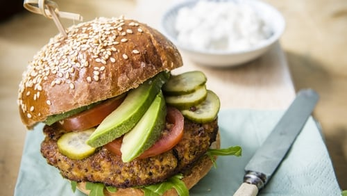 Quinoa is an uber tasty, nutritious super-grain that can be used in a huge range of recipes. This week we're learning how to make gluten-free quinoa burgers!