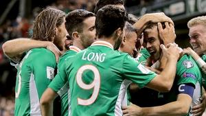 Seamus Coleman celebrates with his team-mates