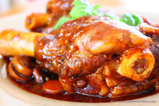 Nevens Recipes - On a budget week 1 - Braised lamb shanks with carrots.
