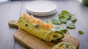 This creamy, healthy and tasty dish is perfect for a lazy Sunday brunch. Packed with protein and vitamins, this stuffed rolled omelette is ideal for the whole family!