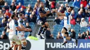 Isa Nacewa in action against Castres in the 33-15 victory last October