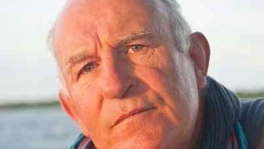 Frank Reidy, trachtaire, cúrsaí slándála.