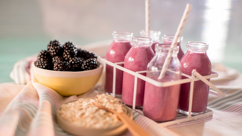Blackberry Oat Smoothies in just 2 Steps!