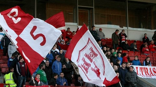 Shelbourne fans showed their unhappiness at the club's looming departure from Tolka Park