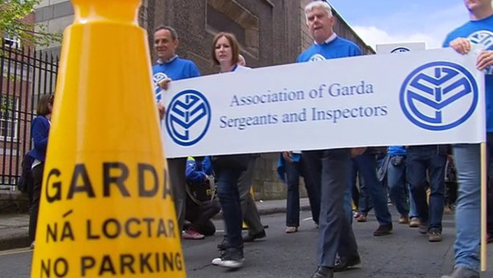 Will strikes by gardaí and teachers be stopped?