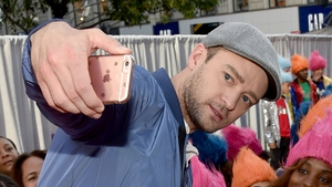 Justin Timberlake laughs off voting booth selfie gaffe