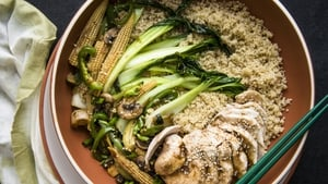 Chinese Chicken with Quinoa is a great option for a healthy and tasty dinner!