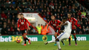 Jermain Defoe's penalty handed Sunderland their first league win of the season