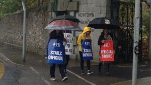 Teachers picket outside the Newtown School in Waterford