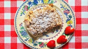This week Molly Makes Apple Crumble. This one is great to prepare ahead of time and pop in the oven when you're almost ready to serve. The big question is will you have it with cream, ice cream or custard?