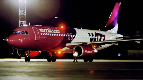 Hungary-based Wizz Air said revenue rose 10.1% to €921.2m in the six months to September 30