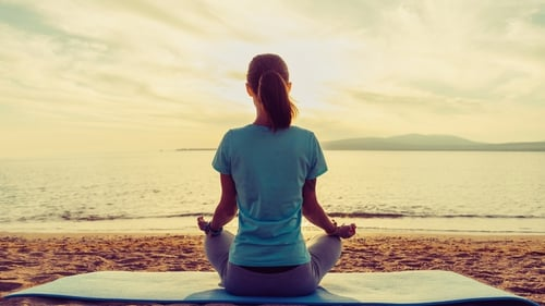 Need to de-clutter, de-stress and unwind? Check out the Yoga Bear's step-by-step guide to beginner's meditation.