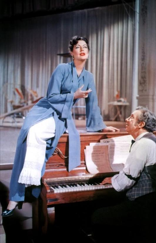 Loves:  singing lessons