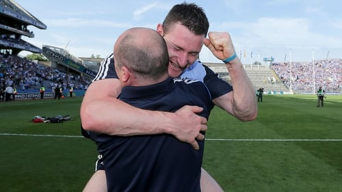 Niall Corcoran celebrates with Anthony Daly after the 2013 Leinster SHC final
