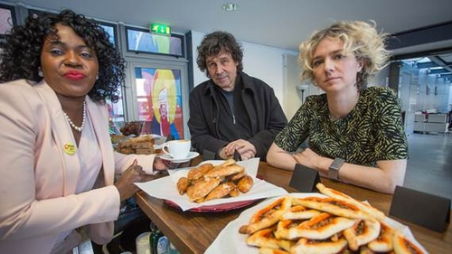 'Our Table' cafe opens at the Project Arts Centre in Dublin to open up discussion about issues in Ireland's direct provision system. Pictured: Ellie Kisyombe, Stephen Rea, Michelle Darmody.