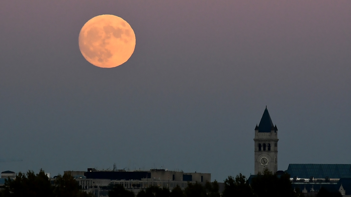 'Supermoon' will be 351,825km from Ireland tonight