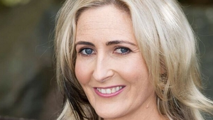 Will Bobbi Lee lip sync that starry path back to fame? On Ros na Rún this week . .