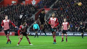 Nathaniel Clyne can't direct his header on target