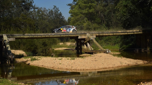 Mikkelsen holds 2 second lead in Rally Australia