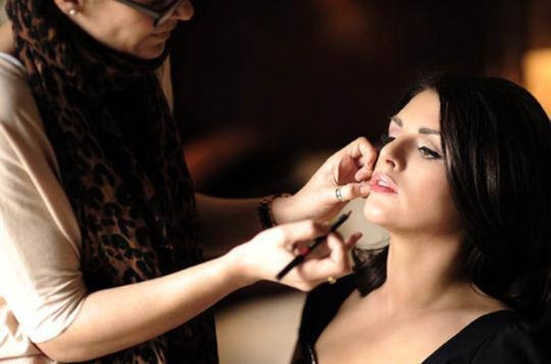 Nicola Cuddy make-up