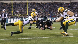 Green Bay kept their play-off hopes alive with the win