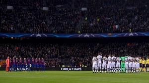 Barcelona and Mönchengladbach players held a minute silence in memory of the Chapecoense players and officials who died