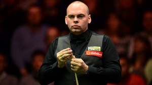 The maximum helped Stuart Bingham edge out Ricky Walden