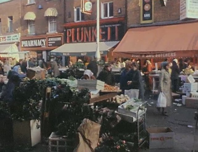 Moore Street at Christmas in 1981