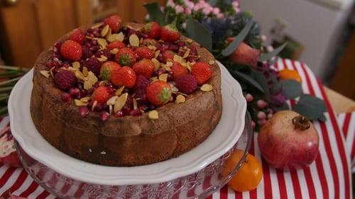 Gluten Free Citrus Cake by Eva Lawes