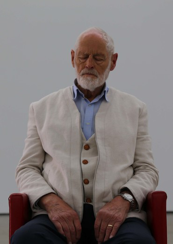A portrait of Ivor Browne by Alan Gilsenan, at First Fortnight 2017