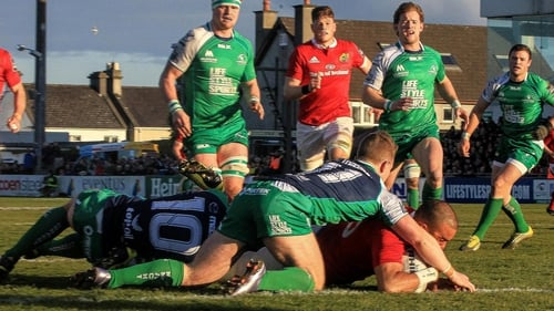 Tony Ward is backing Munster to emerge victorious at the Sportsground in the interprovincial derby