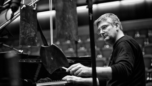 Glauco Venier: thoughtful and tremulous piano with lightly-applied percussion on Miniatures